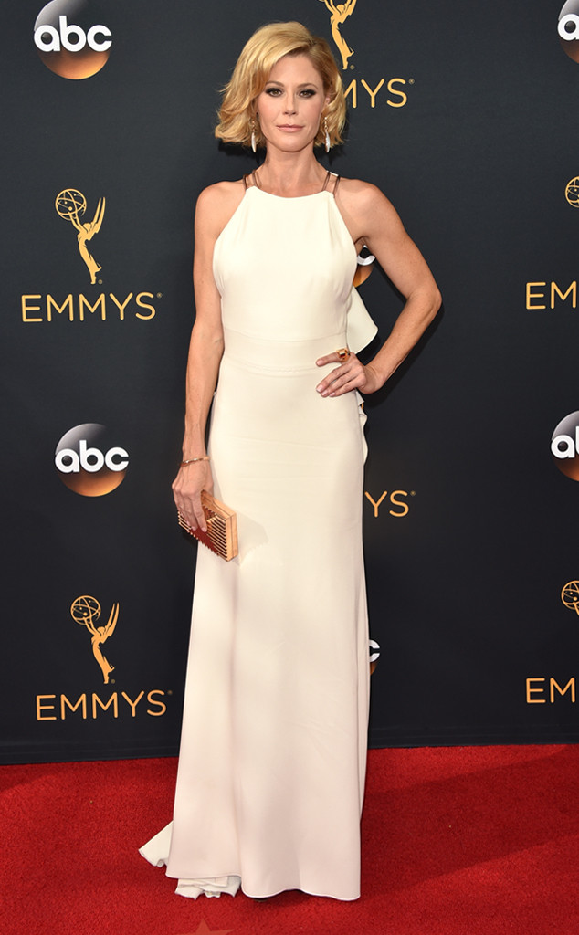 emmy-awards-arrivals-julie-bowen