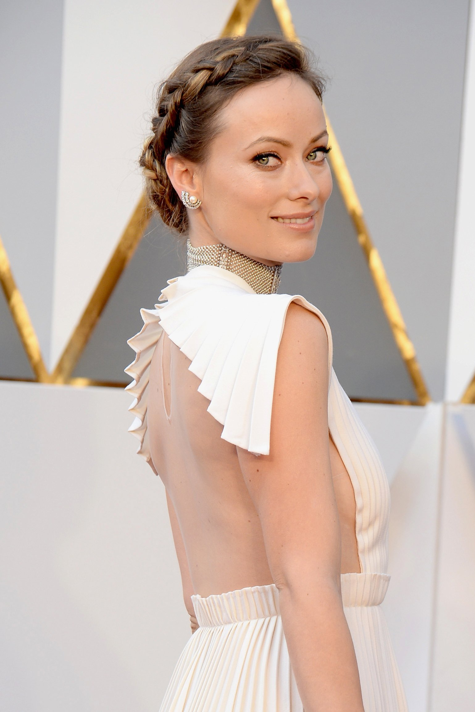 oscars-2016-best-beauty-olivia-wilde