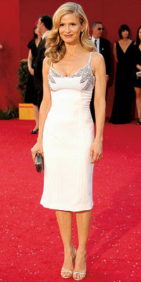 Kyra-Sedgwick-white-cocktail-dress-red-carpet-2008.