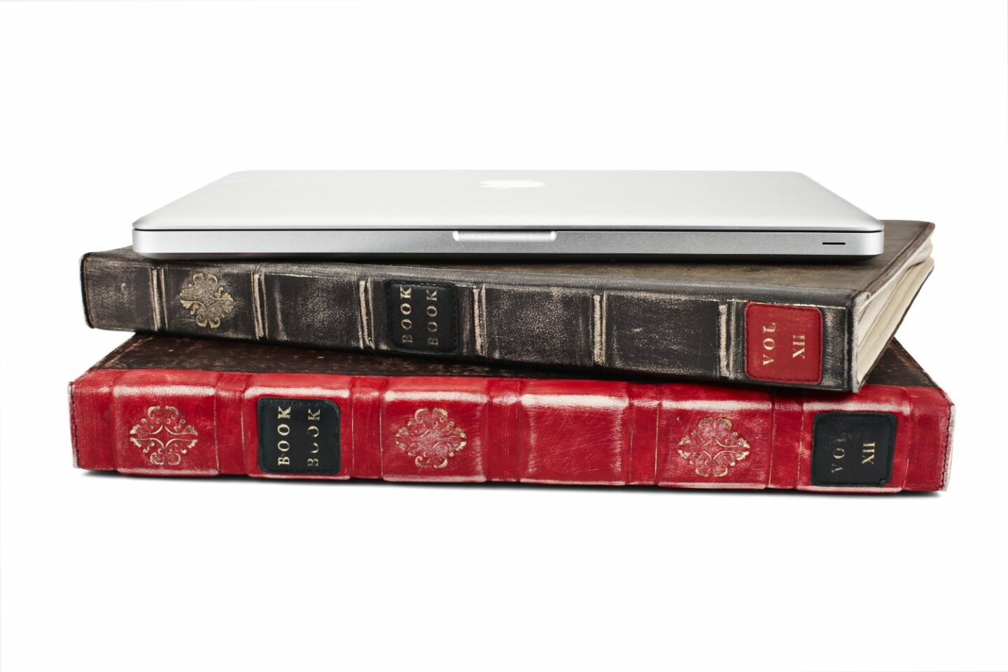 hide your laptop in plain sight with bookbook