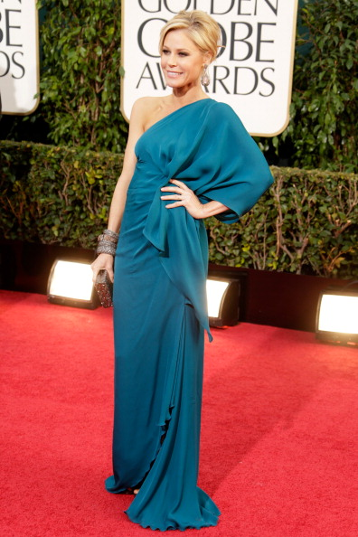 julie-bowen-halston-golden-globes-2013-red-carpet-best-dressed-patranila-project