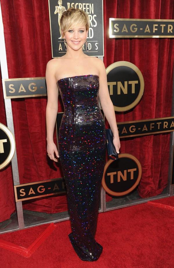 Jennifer-Lawrence-SAG-Awards-2014-red-carpet-report-patranila-project