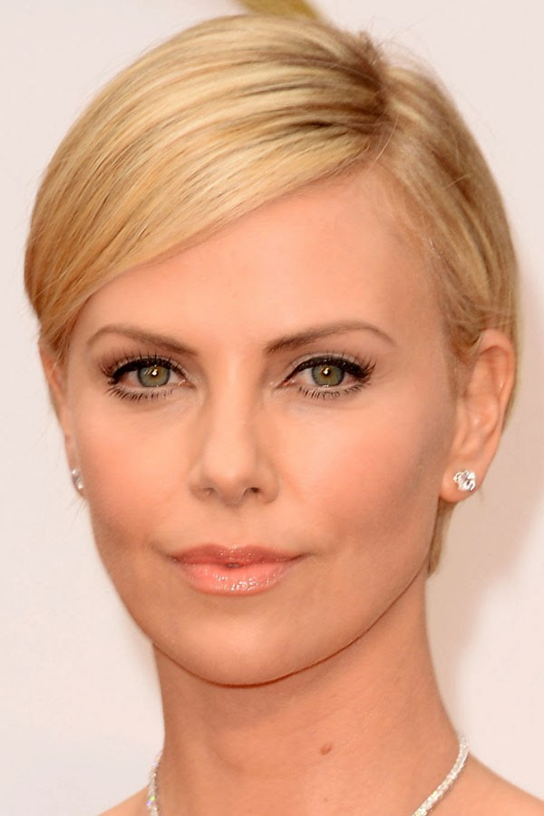 The best hair and makeup at the 2014 Oscars. Charlize Theron