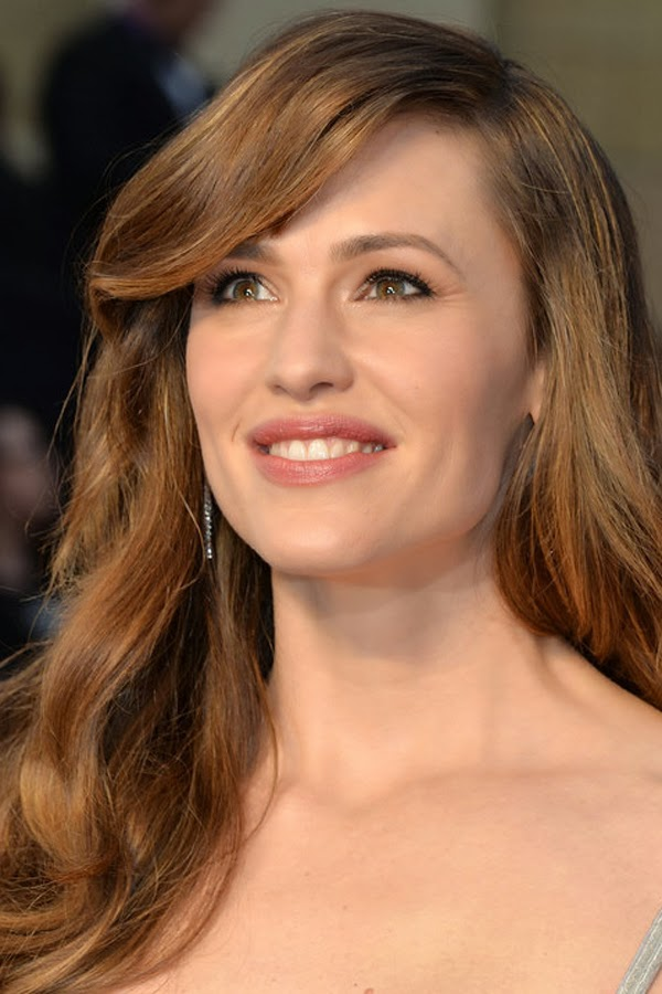 The best hair and makeup at the 2014 Oscars. Jennifer Garner.