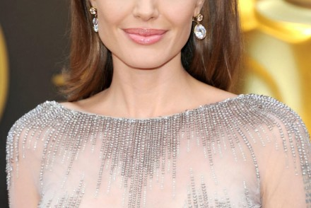 oscars-2014-best-beauty-red-carpet-angelina-jolie-patranila-project