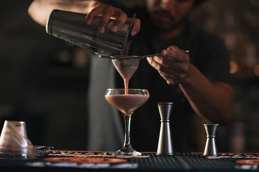 drinks in hawaii - bevy bar