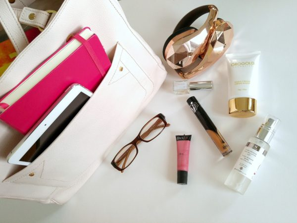whats-in-my-bag-patranila-project