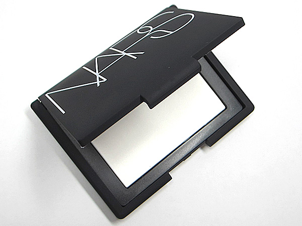 nars-setting-powder-summer-beauty-must-haves