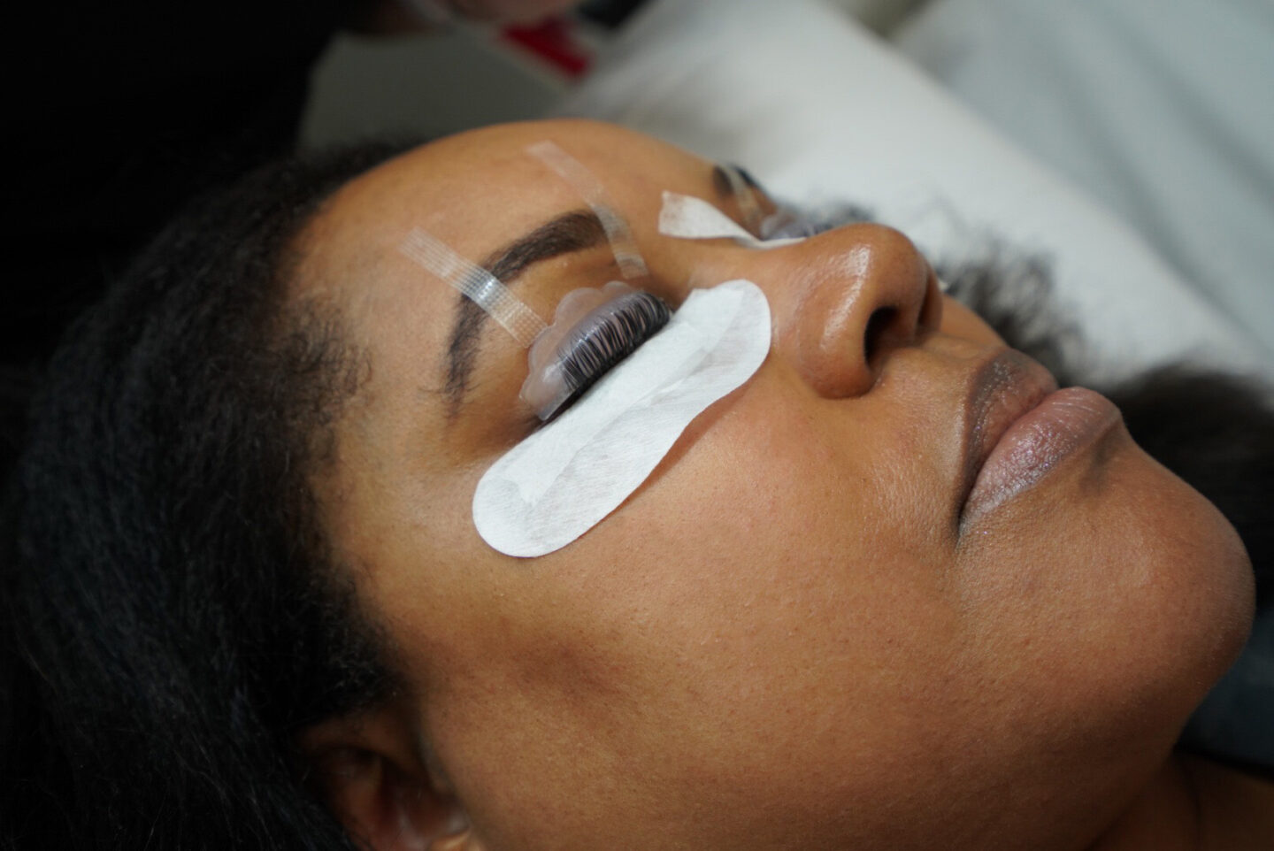 Patranila undergoes lash lift with Amazing Lash