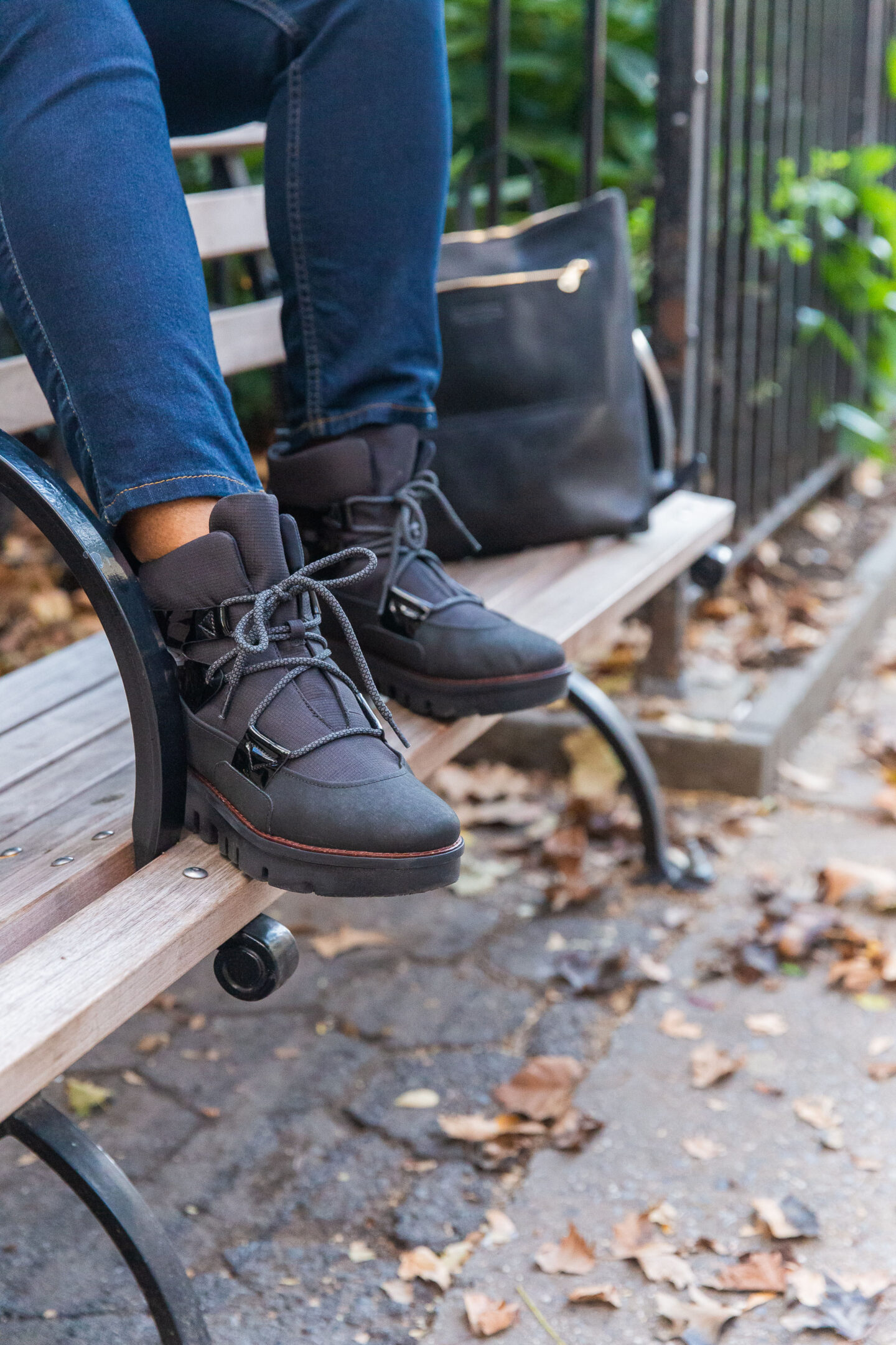 fall style glace black ankle boots